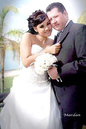 Srita. Cecilia Elizabeth Rodríguez Díaz y Sr. Eduardo Ávila Vázquez contrajeron matrimonio religioso en la parroquia de San José el sábado 22 de agosto de 2009. <p> <i>Estudio Mardan</i>