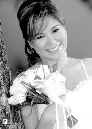 Srita. Daniela Castillo Guzmán el día que unió su vida en matrimonio con la del Sr. Jorge Eduardo Hernández Sánchez. <p> <i>Érick Sotomayor Fotografía</i>