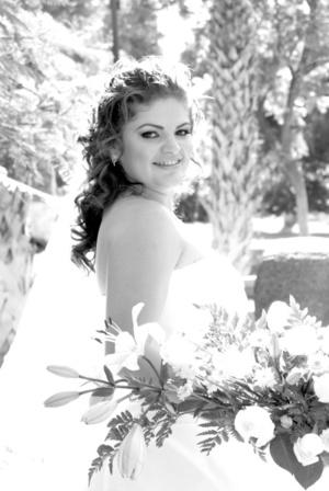 Lic. Jacqueline Navarrete Jáuregui el día de su boda con el Ing. Joel Luis Alba Rodríguez.