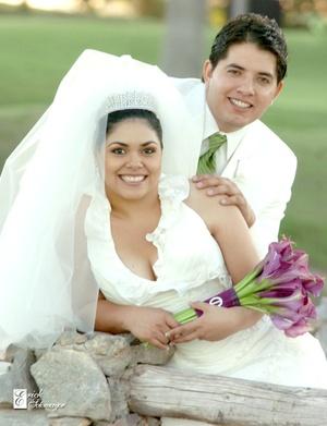 Srita. Natalia María Acevedo Ramos y Sr. Carlos Ortiz Pong contrajeron matrimonio el viernes nueve de octubre de 2009. <p> <i>Érick Sotomayor Fotografía</i>