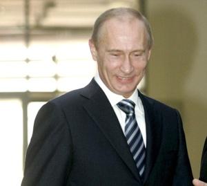 Vladimir Putin, ex presidente de Rusia, aparece en el tercer sitio, por encima de su sucesor, Dmitry Medvedev, quien está muy por debajo de Putin, en el lugar 43.