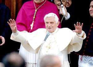 El papa Benedicto XVI se encuentra en ekl lugar 11 después de Bill Gates.