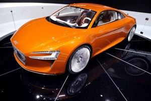 Otros estrenos para el mercado norteamericano incluyen la crossover Hyundai  Tucson y la Kia  Sorento, el primer vehículo de la marca que se construye en la Unión Americana.