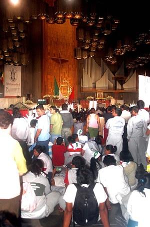 Al fortalecimiento del culto a la Virgen del Tepeyac contribuyó de manera decisiva la realización del Primer Concilio mexicano, que se celebró en la Ciudad de México entre el 29 de junio y el 7 de noviembre de 1555.