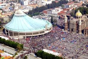 Veracruz, Tlaxcala, Puebla, Morelos, Estado de México y Guerrero, son algunas de la peregrinaciones que arriban a la capital para ver a la virgen del tepeyac.