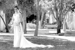 Radiante lució Srita. Alejandra Aguilar Vilardell el día de su boda con el Sr. Carlos Salmón Garza. <p> <i>Maqueda Fotografía</i>