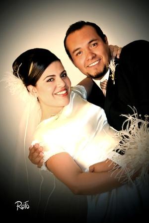 El 31 de octubre de 2009, contrajeron nupcias Srita. Diana Susana Echávarri Guerrero y Sr. Jaime Gerardo González Adame, en la Catedral de Nuestra Señora del Carmen, a las 20:00 horas.  <p> <i>Rofo Fotografía</i>