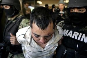 Los detenidos, las armas y el dinero fueron puestos a disposición de la Subprocuraduría de Investigación Especializada en Delincuencia Organizada (SIEDO) de la Procuraduría General de la República (PGR) para que se inicien las investigaciones correspondientes.