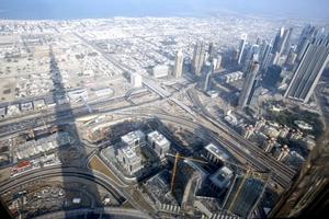 Hace apenas unos años, Dubai no era más que una soñolienta población pesquera pero se convirtió en las últimas dos décadas en un centro comercial de gran importancia para el Medio Oriente gracias a sus políticas promotoras del comercio.