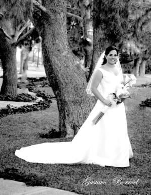 Srita. María del Pilar Galindo Sierra captada el día de su boda con el Sr. Ranulfo Ramírez Méndez.  Gustavo Borroel Fotografía