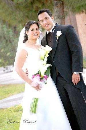 Srita. María del Pilar Galindo Sierra y Sr. Ranulfo Ramírez Méndez unieron sus vidas en matrimonio, en la parroquia Los Ángeles, el 20 de noviembre de 2009, en punto de las 19:30 horas.   Gustavo Borroel Fotografía