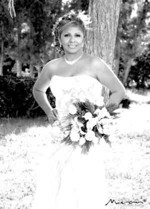 Srita. Perla del Rocío Martínez Fernández el día de su enlace matrimonial con el Sr. Mario Alberto Valdez Basurto.  Estudio Morán