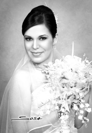 Muy hermosa lució la Srita. Rebeca Bollaín y Goytia Milán el día de su enlace matrimonial con el Sr. Eduardo Fabián Rangel.  Studio Sosa