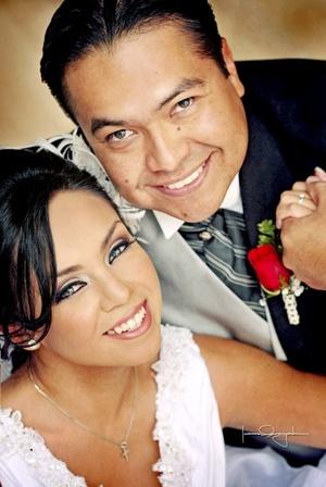 Srita. Diana Alejandra Aguilar Fierro y Sr. Juan Antonio García Sánchez unieron sus vidas en matrimonio, en la iglesia de Nuestra Señora de la Encarnación, el 21 de noviembre de 2009, en punto de las 20:00 horas.   Estudio Laura Grageda