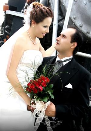 Srita. Érika Susana Ramos Borjón y Sr. Emmanuel Rentería Morillón, el día de su enlace matrimonial.  Luciano Laris Fotografía