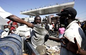 La Misión de Naciones Unidas para la Estabilización de Haiti (Minustah) es la única fuerza que intenta atajar el deterioro de la situación de inseguridad, pero su tarea es titánica debido a la amplitud de la catástrofe.
