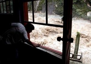 La cancillería mexicana informó que de los 30 mexicanos afectados, 13 ya han sido evacuados y 17 siguen varados.