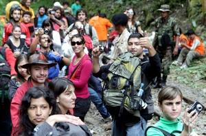 El tren, único medio de transporte para retornar de la famosa ciudadela inca de Machu Picchu a la ciudad del Cusco, debió ser suspendido dejando varados a unos tres mil turistas .