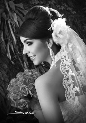 Dra. María Lorena Pérez López el día de su boda con el Dr. Antonio Escobar Juárez. <p> <i>Studio Sosa </i>