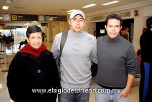 02022010 México. José Alberto M. fue despedido por Martha Cabrera y José Alberto Serrano.
