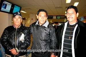 05022010 Tijuana. Felipe Pérez fue despedido por su padre y hermano, ambos de nombre Rogelio.