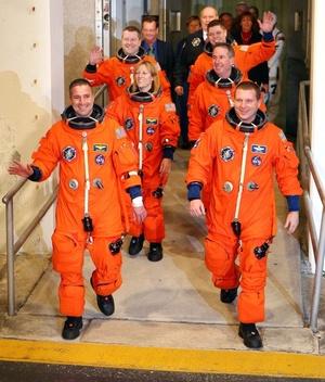 Comandado por George Zamka, un astronauta de origen colombiano, el Endeavour despegó desde el Centro Espacial Kennedy, en Cabo Cañaveral, en Florida.