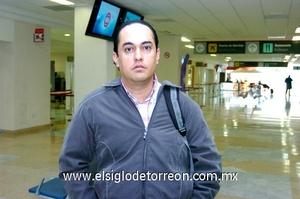 11022010 Guadalajara. En plan de negocios llegó a Torreón Saúl Castro.