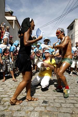 El refrán popular según el cual todo es permitido en carnaval no se aplicará este año en Río de Janeiro para quienes orinen en la calle, a los que les espera el arresto, su traslado a una comisaría y un proceso judicial por acto obsceno en lugar público.