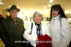 13022010 Viajeros. Raúl y Aurora Medina fueron despedidos por Tita Ibarra.