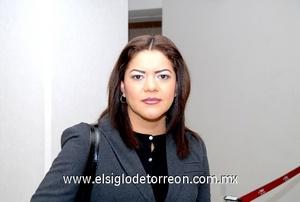 15022010 Chihuahua. Para tratar asuntos de trabajo llegó Carolina Martínez.