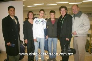 19022010 México. Fernando, Mónica, Franz, Ángel, Claudia y Franz.