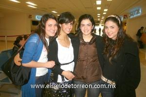 20022010 Distrito Federal. Laura, Cristy, Jéssica y Mónica.