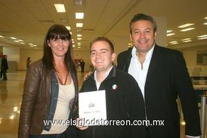 20022010 México. Estela Guzmán, Toño Casarín y Albert Withenshaw.
