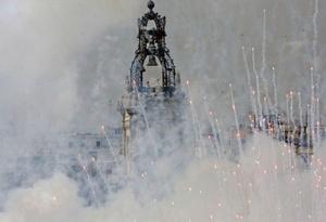 Mascletá disparada en la plaza del Ayuntamiento de Valencia en la que pirotecnia Hermanos Borredá, de la localidad de Rafelcofer, ha utilizado más de 100 kilos de pólvora.