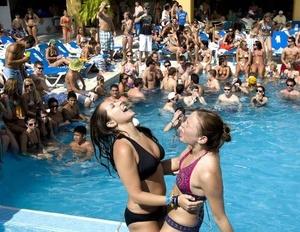 Las bajas tarifas aéreas y hoteleras son un incentivo muy poderoso para los visitantes de EU.