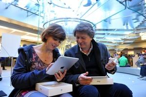 Los analistas calculan que Apple venderá entre 200 mil y 300 mil iPads durante el primer fin de semana.