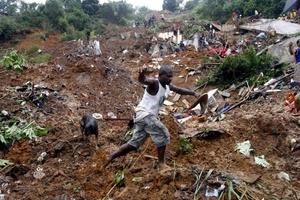 La mayoría de las víctimas de esta nueva tragedia eran habitantes de barriadas de invasión construidas en zonas montañosas consideradas como de riesgo.