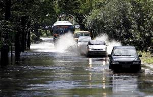 El gobernador de Río de Janeiro, Sergio Cabral, asegura que la gravedad de la tragedia se debe a que los temporales fueron más fuertes que los que castigaron el estado en 1966, 1988 y 1998, cuando también se registraron elevados números de muertes por las lluvias.