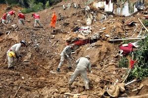 El alcalde de Niteroi, Jorge Roberto da Silveira, declaró estado de calamidad pública y luto oficial de una semana.