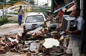 Esta ciudad fue azotada por las peores lluvias en tres décadas que dejaron a cientos de muertes, destrozaron casas y convirtieron sus calles en ríos.