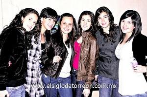 Marisofi Barrios, Jocelyn Maldonado, Daniela Ortiz, Vanessa Fausto, Ángela Toraño e Isabel González.
