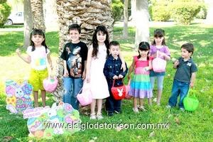 Irma, Juan Carlos, Victoria, Cristóbal, Samia, Fernanda y Roberto.