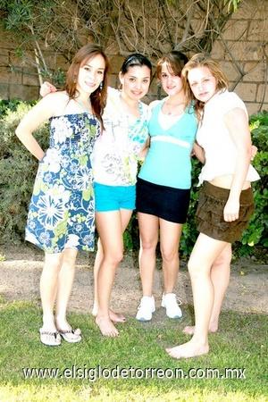 Lucía, Wendy, Raquel y Karla.