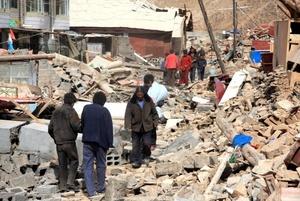 Muchos estudiantes, agregó, están bajo los escombros por el derrumbe de edificios.