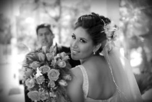 25042010 Lic. Beatriz Borrego Álvarez lució radiante el día de su boda con el Arq. Óscar Martínez Fernández. <p> <i>Videosecuencia Creativa Gerardo Rivas</i>