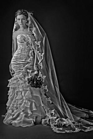 Srita. Daniela Rivera Herrera, el día de su boda con el Sr. Juan Manuel Mijares Callau. <p> <i> Estudio Laura Grageda </i>