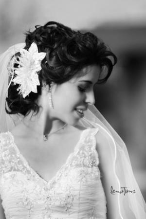 Radiante lució la Lic. Mariana Rodríguez Venegas el día de su enlace matrimonial con el Ing.Ernesto Faudoa Chávez. <p> <i>Lemotions Fotografía</i>