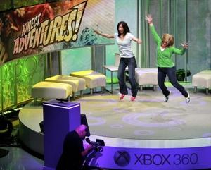 Otros juegos que llegarán este año son el deportivo Kinect Sports, con pruebas en 8 disciplinas, Kinectimals, donde el usuario adopta una mascota virtual, las carreras de coches de Kinect Joyride o las pruebas de habilidad de Kinect Adventures!.