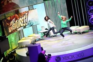 En términos de juegos para Kinect, destacó Your Shape Fitness Evolved de Ubisoft, un programa de entrenamiento personal, o Dance Central de Harmonix, pensado para aprender a bailar coreografías de artistas del momento.