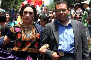 Muchos aprovecharon para disfrasarce de personajes como Salvador Novo, Sor Juana Inés de la Cruz y Frida Kahlo, entre otros.